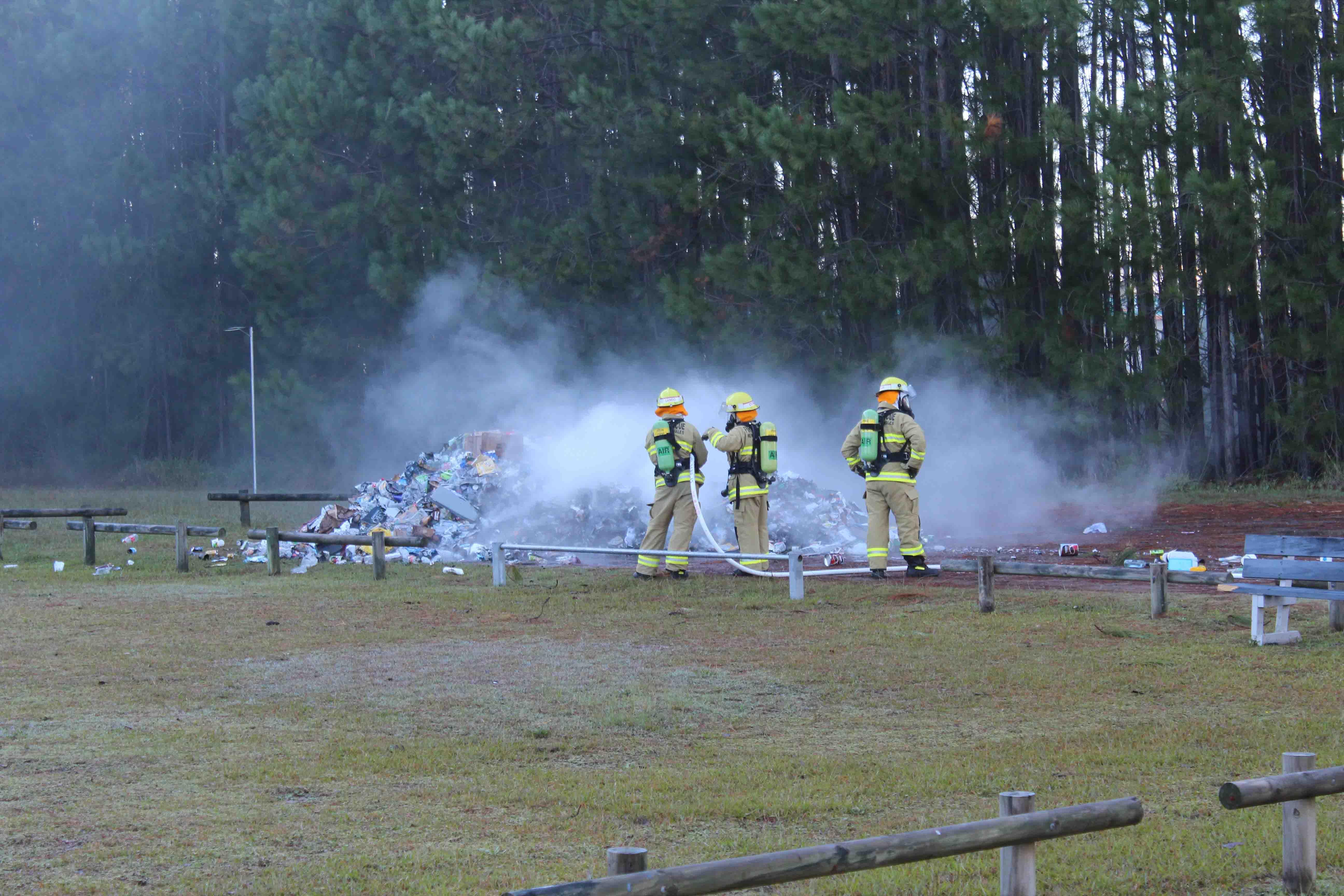 Truck at Tea Gardens caught fire2