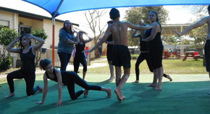 Bulahdelah Central School indigenous dancing