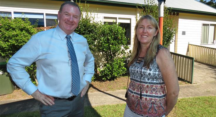 Steve Bromhead with Bulahdelah Preschool Director Gai Tooze