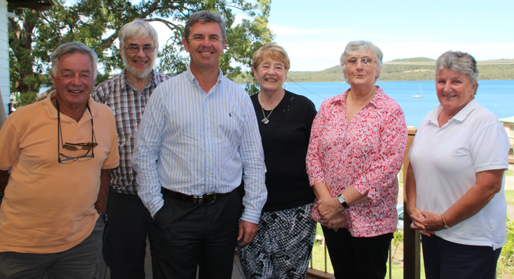 Len Yearley Doug Kohlhoff Dr David Gillespie MP Maureen Kelly OAM Kath Kohlhoff and Susan Carter discuss issues of the area