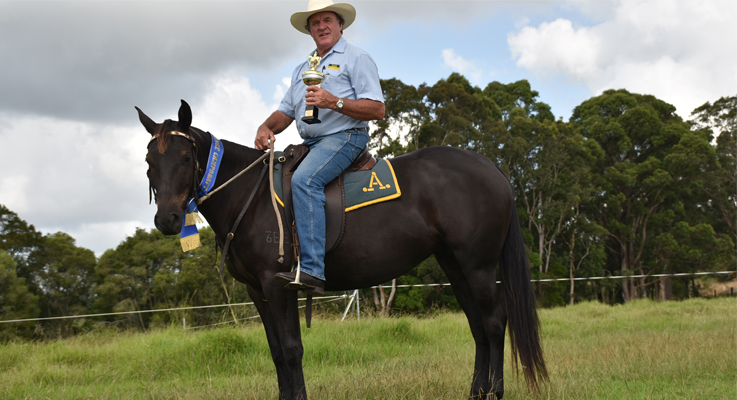 Golden Spurs Acres of Diamonds with owner Brian Ede holding his trophy.
