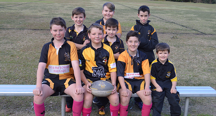 Medowie Rugby Union Players prepare for the Charity Gala Day (Back Row, L-R) William Cook, Connor Stott-Lucas, Bowen Mason (Middle Row) Robert Cook (Front Row, L-R) Ben Murphy, Lachlan Murphy, Jackson Fuller, Oscar Cook.