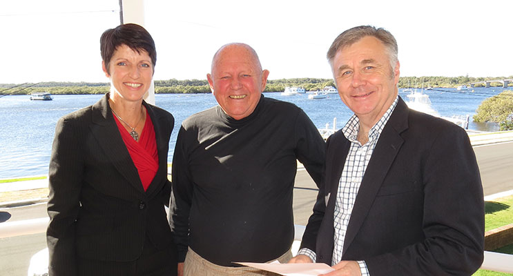 VISIT: Member for Port Stephens Kate Washington, Myall River Action Group member Gordon Grainger and Shadow Minister for Primary Industries Mick Veitch in Tea Gardens