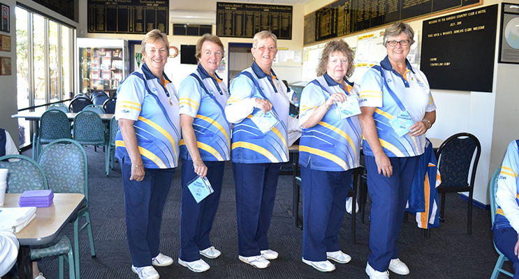 Winners after receiving their badges, Robyn Webster(Club President), Lorraine Harvey, Lyn Green, Vicki Rankin and Karen Mcphie.