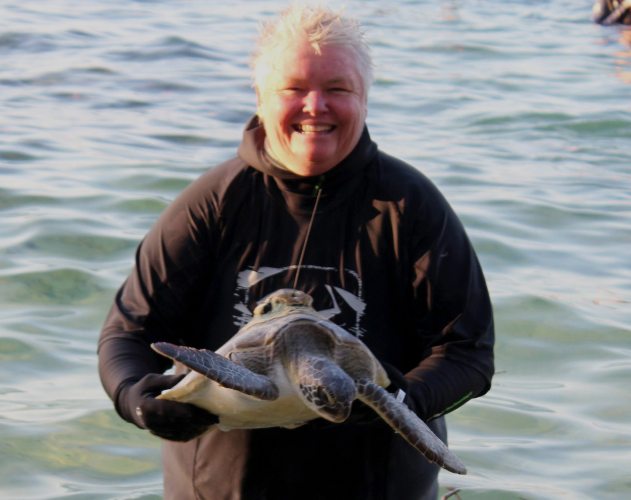Tania Rossiter with Kelpie the Green Turtle