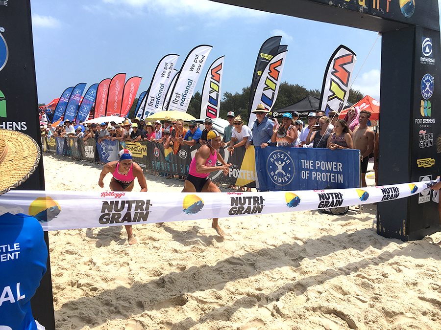 Rebecca Creedy holds out over Lizzie Welborn to win the Nutri Grain Ironwoman Event. Photo by Jewell Drury