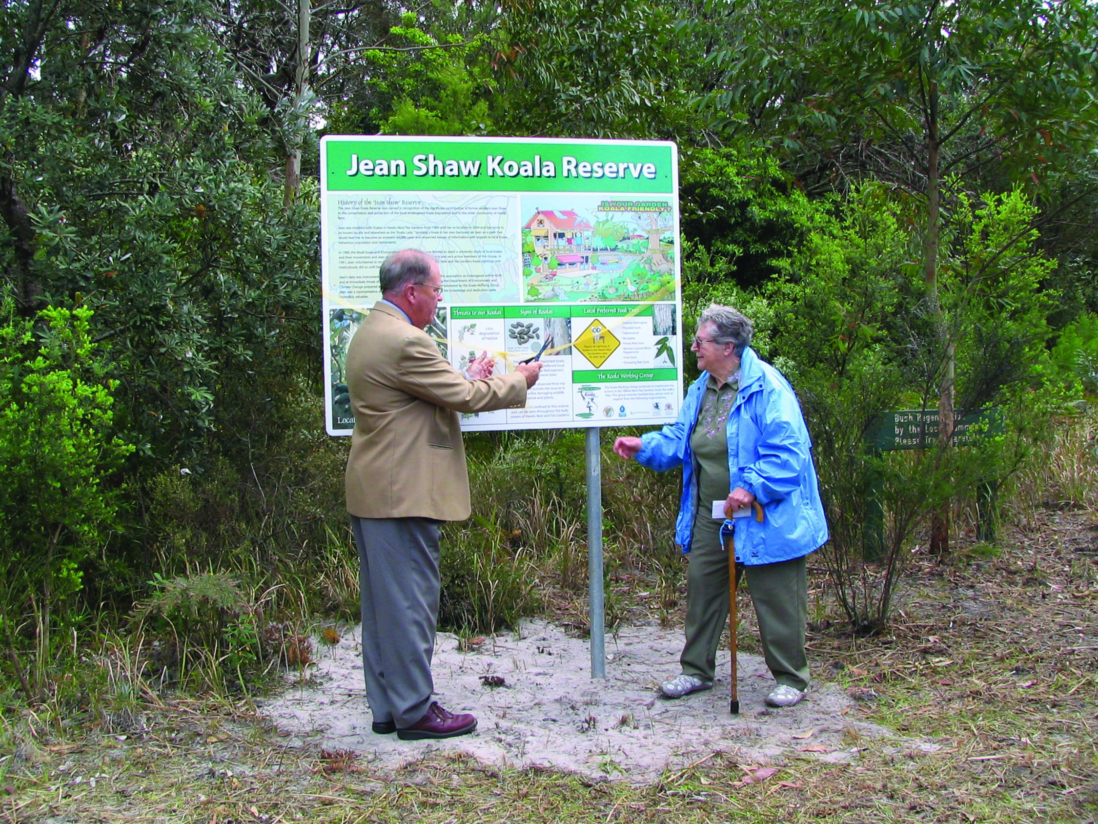 : Former GLC Mayor John Chadban and Jean Shaw at the Koala Reserve Dedication in 2007.