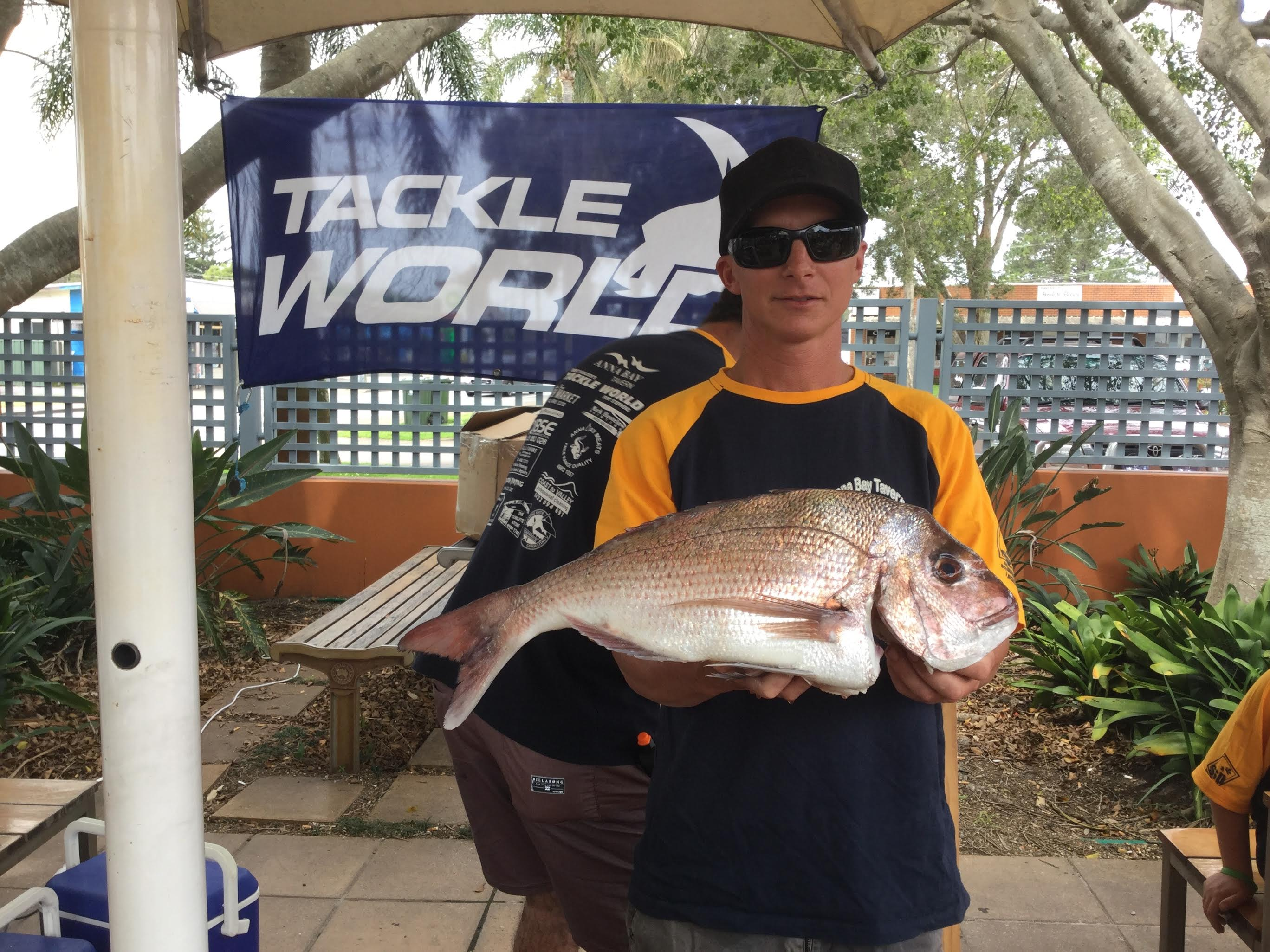 Shane Peters with his nice 2.57kg Snapper.