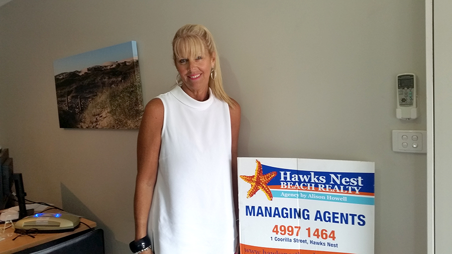 HAWKS NEST BEACH REALTY: Kathy Curtis.