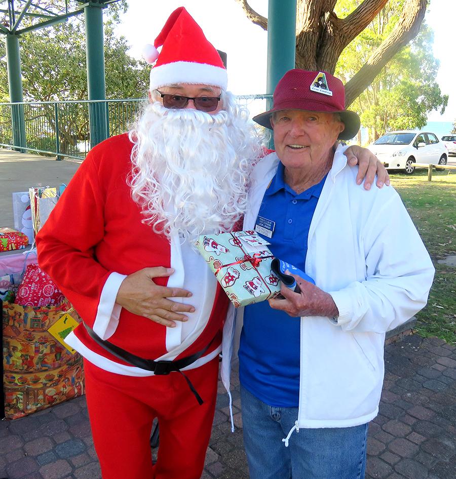 Santa with Leon Lindsay.