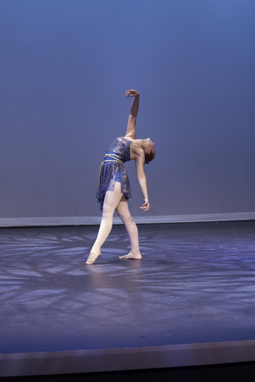 Jade Bennett, solo performance