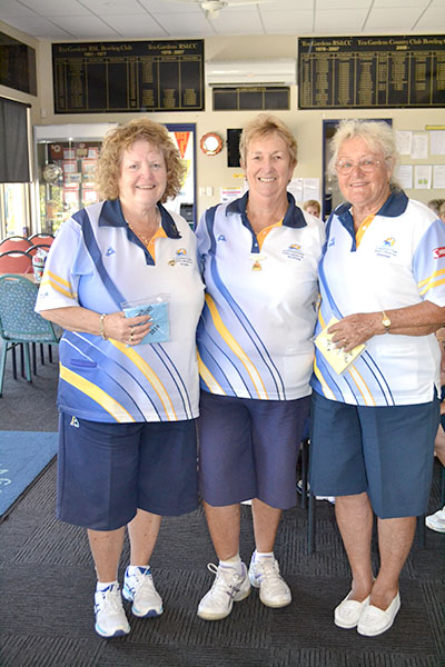 Winner of Open Consistency Competition Vicki Rankin, Club President Robyn Webster and Runner-up Maynie Roberts.