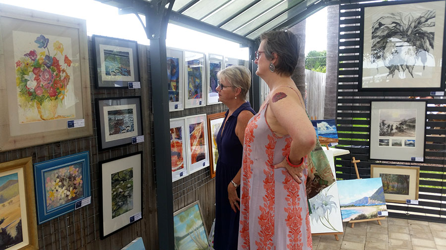 Galleries in the Gardens visitors Fiona King and Liz Cullen.