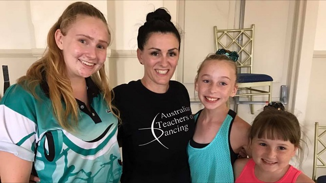Stacey Price, Kyara Darcy and Scarlett Darcy with ATOD Examiner from Queensland – Bonnie Muir.