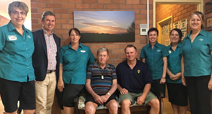 Gillespie visits Stroud lodge community aged care facility: Manager Carolyn Harris, Juanita Muller, Norman Williams, Rod Williams, Paula Tolhurst, Lisa Reyes, Angela Litchfield
