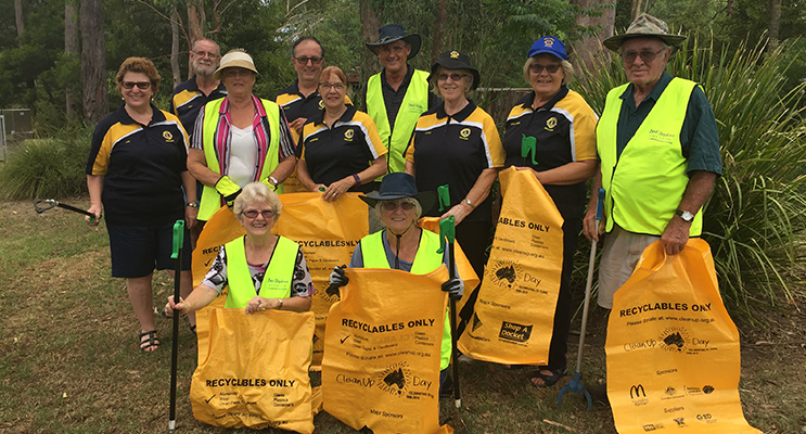 Medowie Tidy Towns and Lions Club teaming up - Louise, Pauline, Roy, Geoff, Libby, Steve, Adrienne, Marg, Marja-Leena, Bob and Royann.