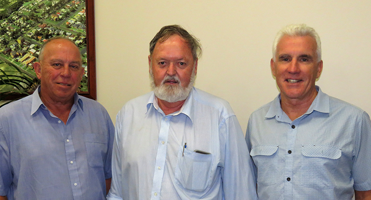 MidCoast Council Administrator John Turner, Bulahdelah Chamber of Commerce Vice-President Kevin Carter and Council's Interim General Manager Glenn Handford.