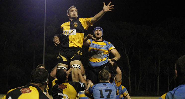 Medowie controlling a lineout against Beaches on Friday night.