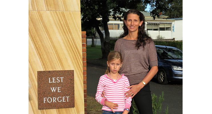 Ren Sullivan and her daughter Mindy at Bulahdelah Cenotaph.