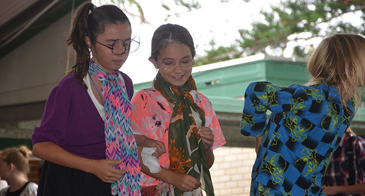 GRANDPARENTS DAY: Tea Gardens Primary.