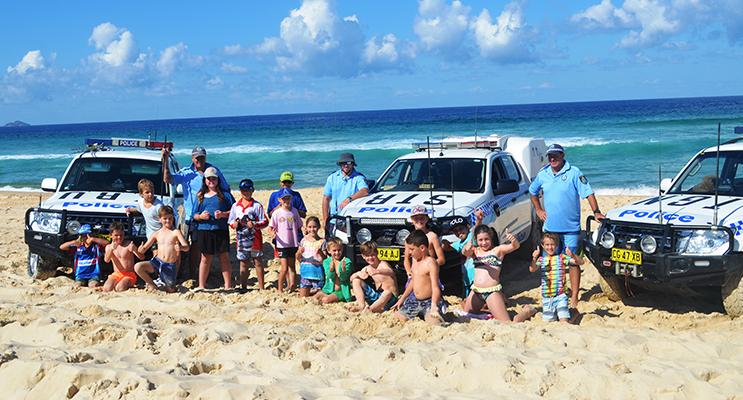 BENNETTS BEACH: Police and School Kids Go Fishing.