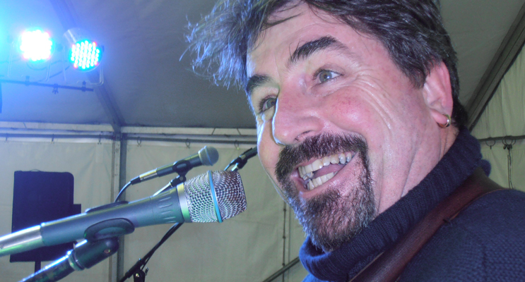 Steve Passfield in the Marquee at the Blue Water Country Music Festival. Photo by Marian Sampson