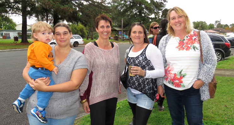 Vincenzo and Lisa Dickson, Rachel Reitsma, Belinda Cunningham and Johanna Conroy.