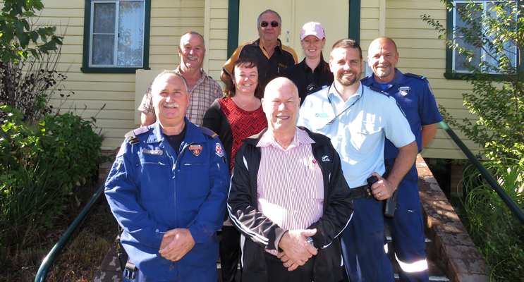 Blue Light Support For Youth: Senior Constable Ash Ray, Paramedics Wayne Cook and Rod Paar, Lions Roger Dixon and Arthur Baker, BCS Deputy Principal Deb Gilbert with Stephen Smith and Jessica Gordon.
