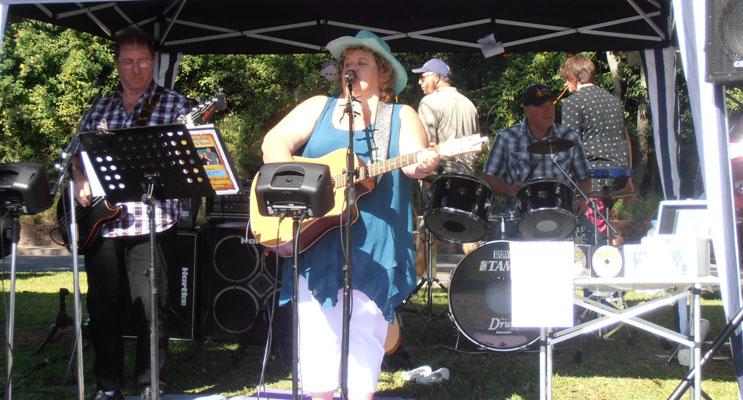 Footloose Band at Nelson Bay. Photo by Marian Sampson
