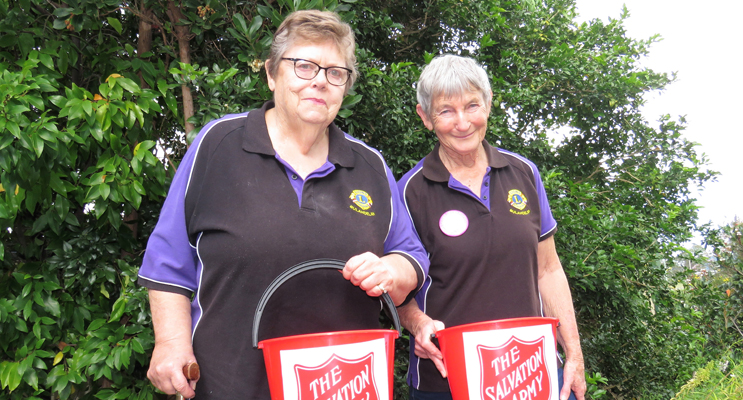 Lions members Helen Amendolia and Carol Tattersall volunteered for the Salvos annual appeal.