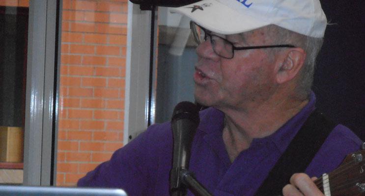 Ronnie Gurr Singing.