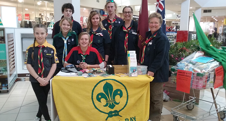 Connor Thomas, Marley Robinson, Tyla Lowden, Cub Leader Jaime Allan, Group Leader Tracey Train, Scout Leader Louise Healy, Olivia Lowden and Hanna Robinson.