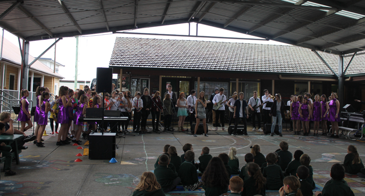 KARUAH PUBLIC SCHOOL: Muswellbrook High Performing Arts Troupe.