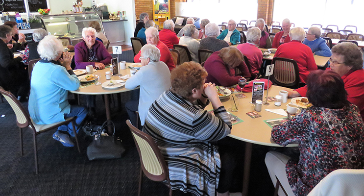 Members of the Bulahdelah Social Group enjoy good company over lunch.