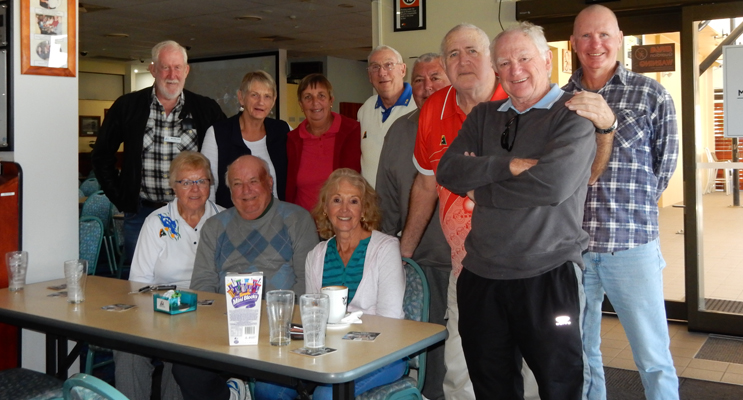 Happy Sunday bowlers attending the Sunday Mixed Bowls Competition.
