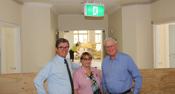 PETER SINCLAIR GARDENS: Federal MP David Gillespie, former Facility Manager Rhonda Pitt, former NSW Governor Peter Sinclair.