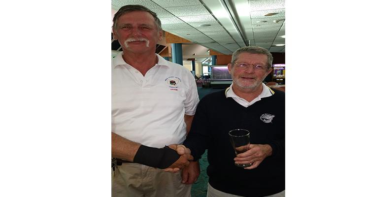 Captain Grahame and A Grade Mug winner Ron Wright.