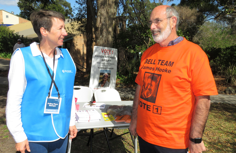 Bulahdelah Polling Place Manager Meredith Rae with candidate James Hooke.