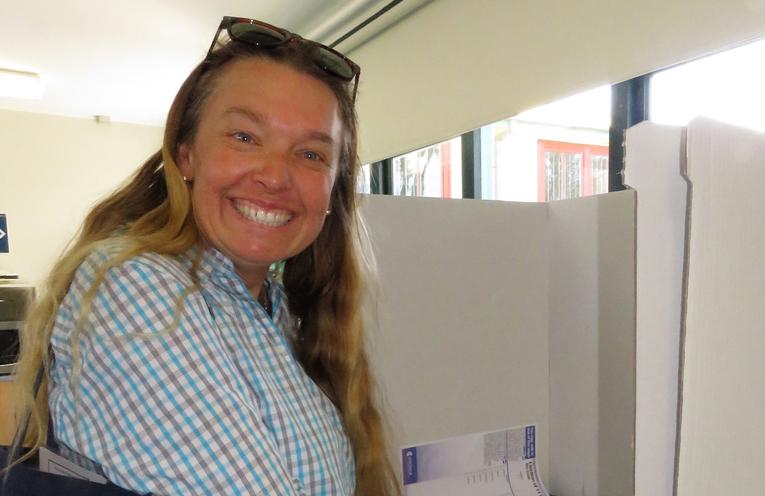 Georgina Cunich marks her ballot paper.