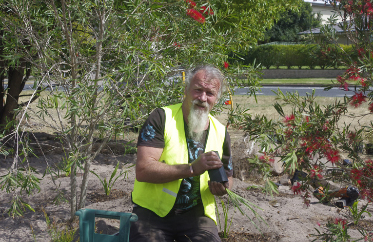 Brass Blokes nominee Dave Sams digging deep as a volunteer with Landcare. Photo by Marian Sampson.