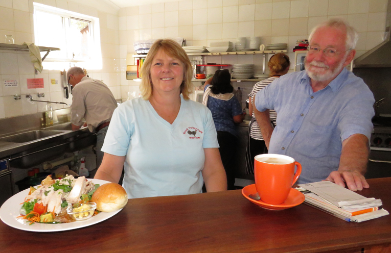 Brush Turkey Cafe: Leanne Wright and Jim O'Connor.