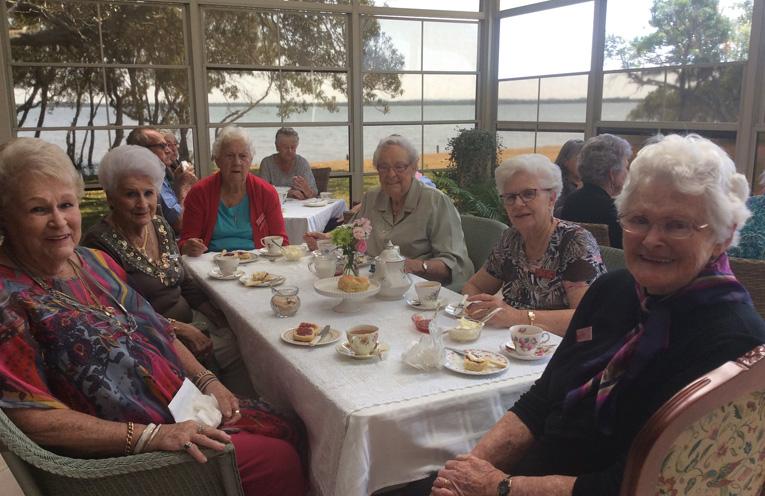 Jewel Maud, Totti McGroder, May Dawson, Aileen Hoare, Doreen Skinn and Elaine Blanch.