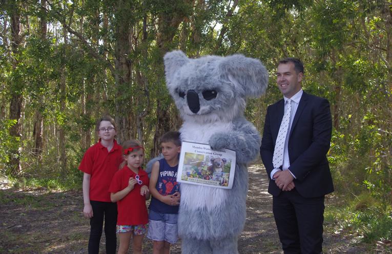 Jacinta Jones, with Hamish and Maddy Baxter Wanda the Koala and Mayor Ryan Palmer. Photo by Marian Sampson.