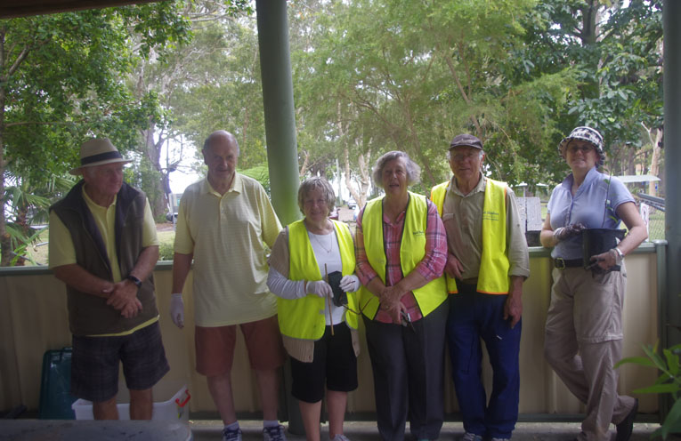 Volunteers at The Ngioka Centre at Little Beach. Photo by Marian Sampson.