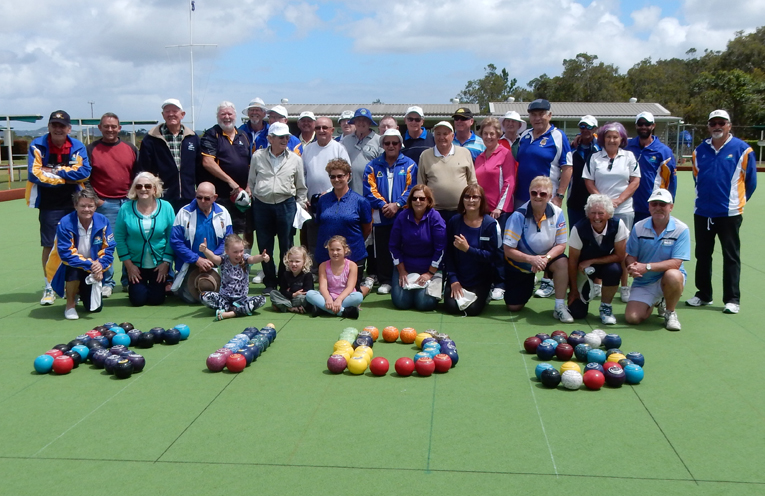 Bowlers support for the Start for Life Foundation.