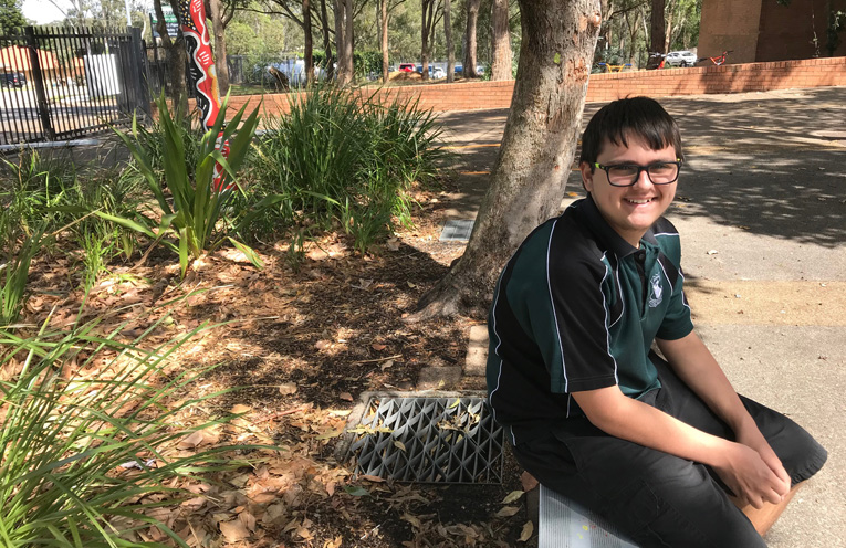 Chris Kent, future Bowls champ, is trying to realise his dream of volunteering at the 2018 Commonwealth Games.