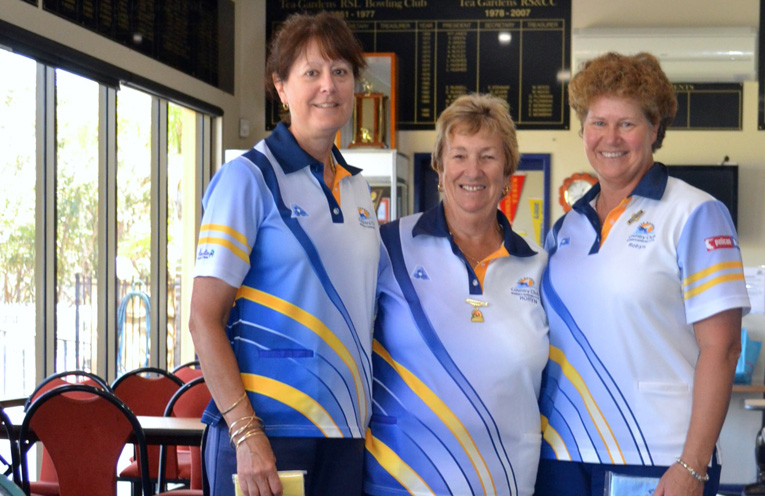Karen Green, runner up Open Consistency , Club President Robyn Webster and Robyn Beaumont, winner Open Consistency 2017