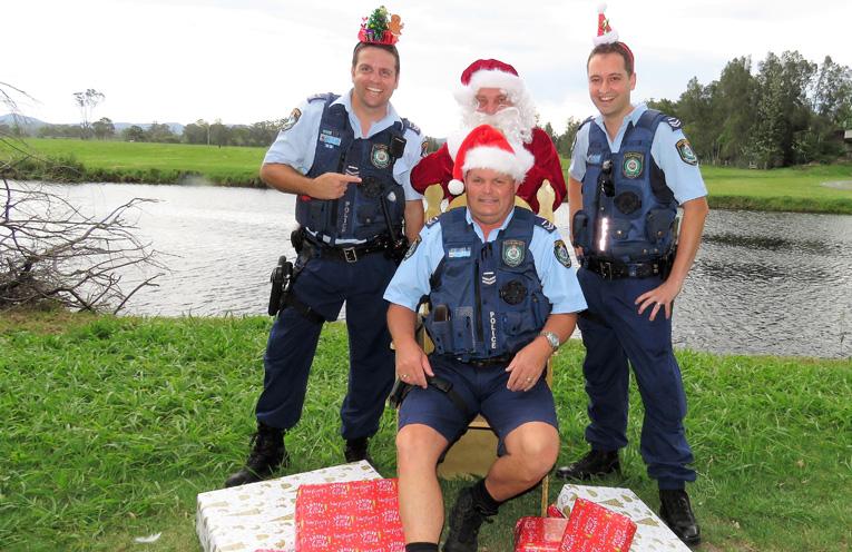 Sn Constables Ash Ray, Trevor McLeod and Dave Feeney wish everyone a safe and enjoyable Christmas.
