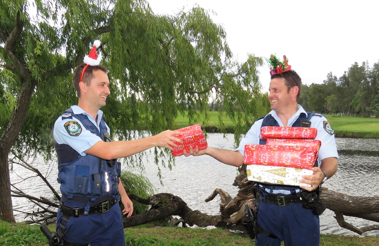 The Joy of Giving: Sn Constables Dave Feeney and Ash Ray.