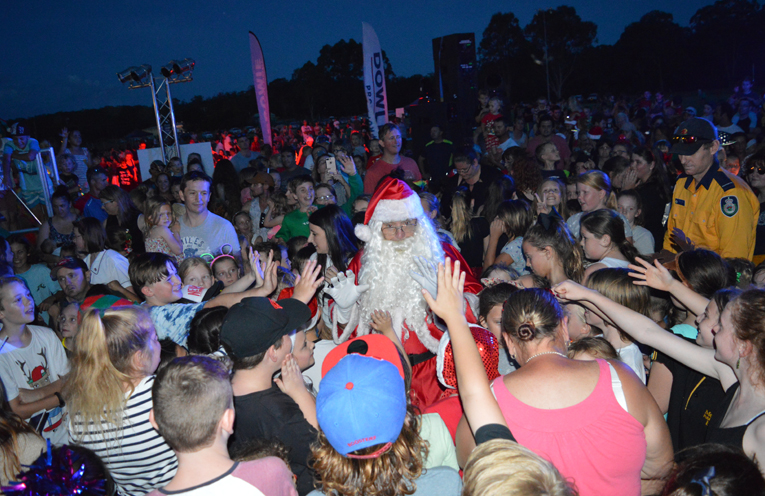 Santa is mobbed!